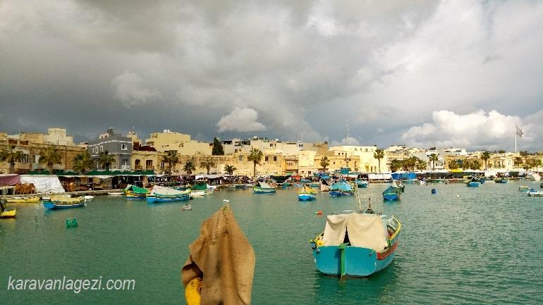 Marsaxlokk balıkcı köyü