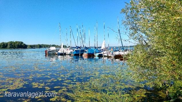 Chiemsee göl manzarası
