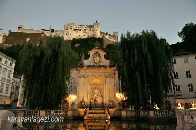Salzburg Kalesi ve eski şehir