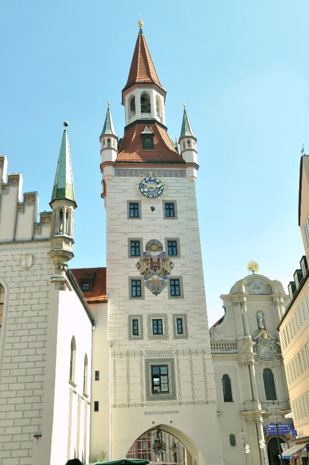 Marienplatz Meydanından