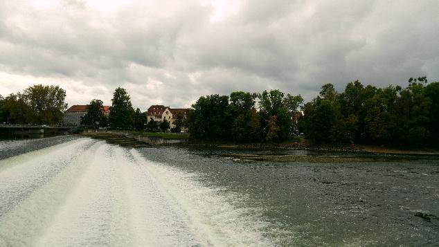 Lech Nehri.